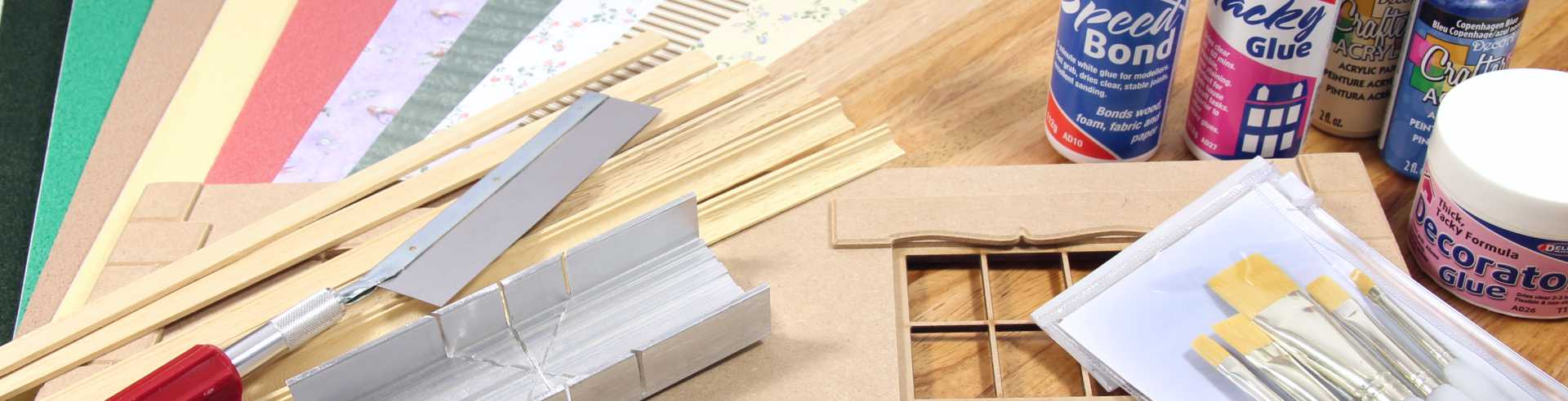 Dolls House & Decorating Materials
