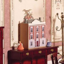 Miniature Montgomery Dolls House
