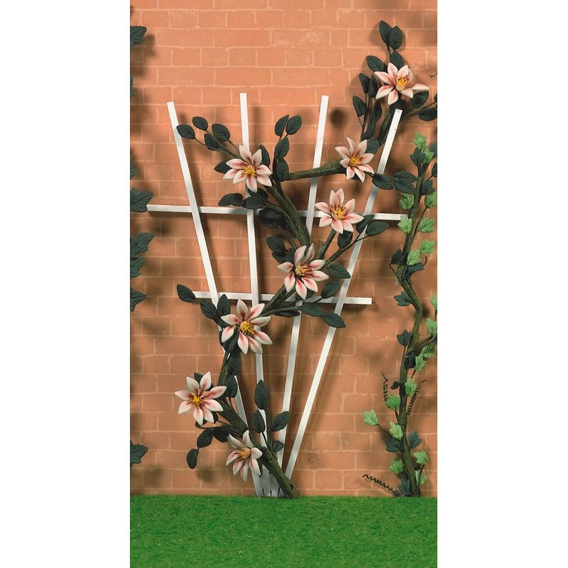 Dolls House Climbing Pink Clematis 1//12th Scale 01840
